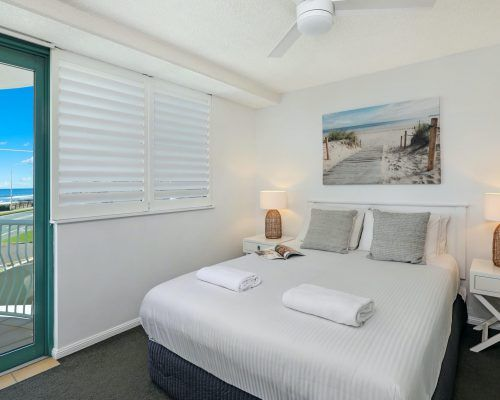 apartment-3-bed-ocean-room-15-14