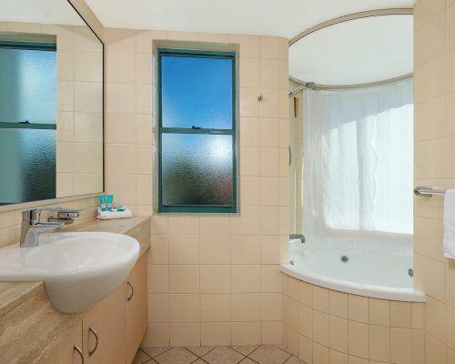 apartment-3-bed-ocean-room-52-11