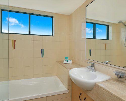 apartment-3-bed-ocean-room-52-7