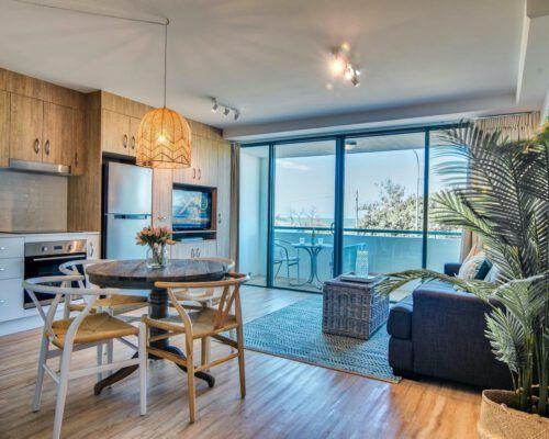 apartment-deluxe-1-bedroom-3